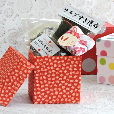 ホワイトデーや入園卒園の内祝に : CD箱入り昆布詰合(豆ハンカチ入り)
